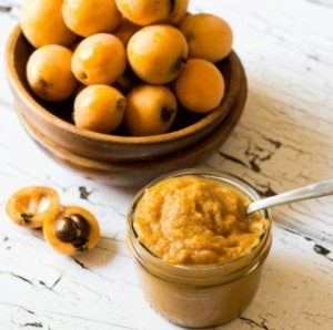 Loquat ging beeto sauce