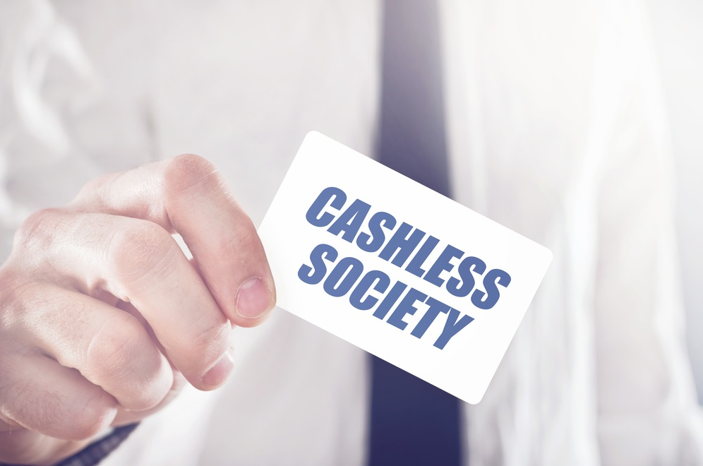 advantages and disadvantages of cashless society