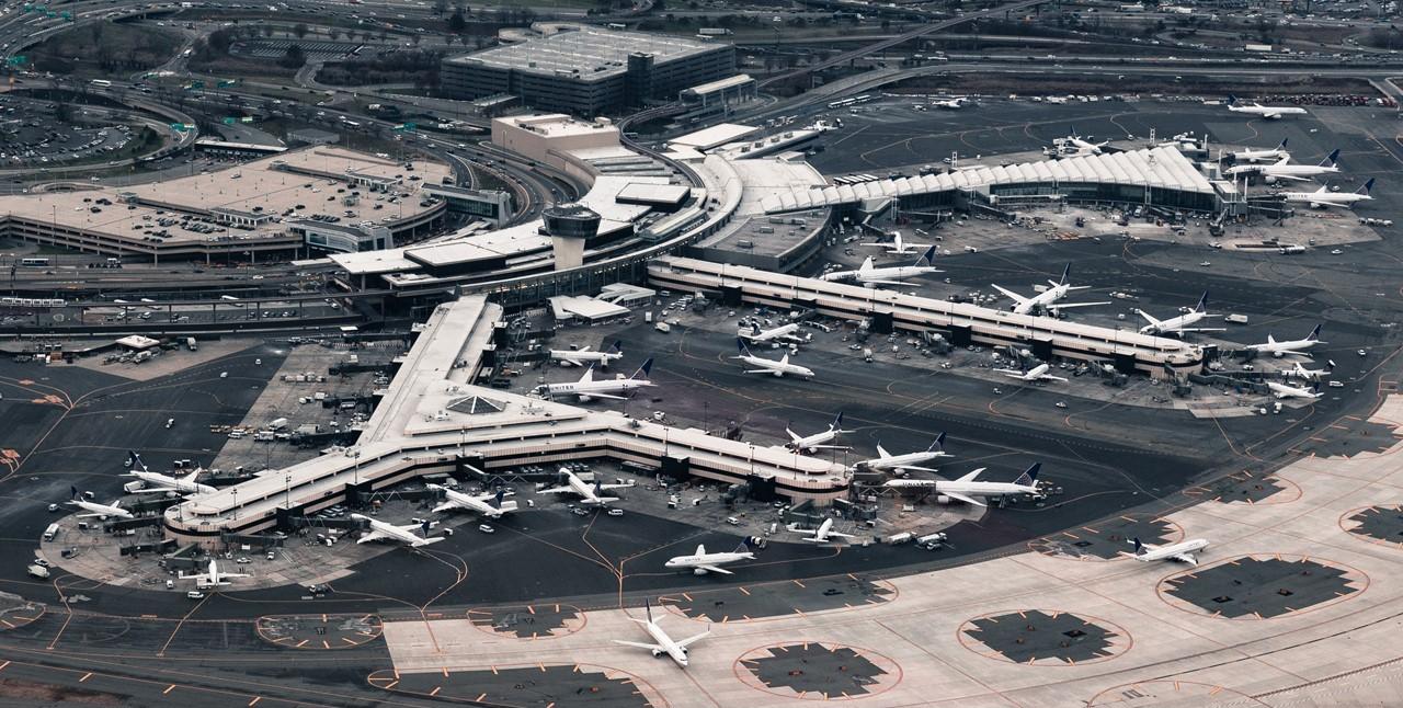 Air Traffic Management: Air Quality Around Airports