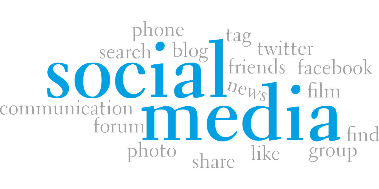 Pros and Cons of Social Media Networking