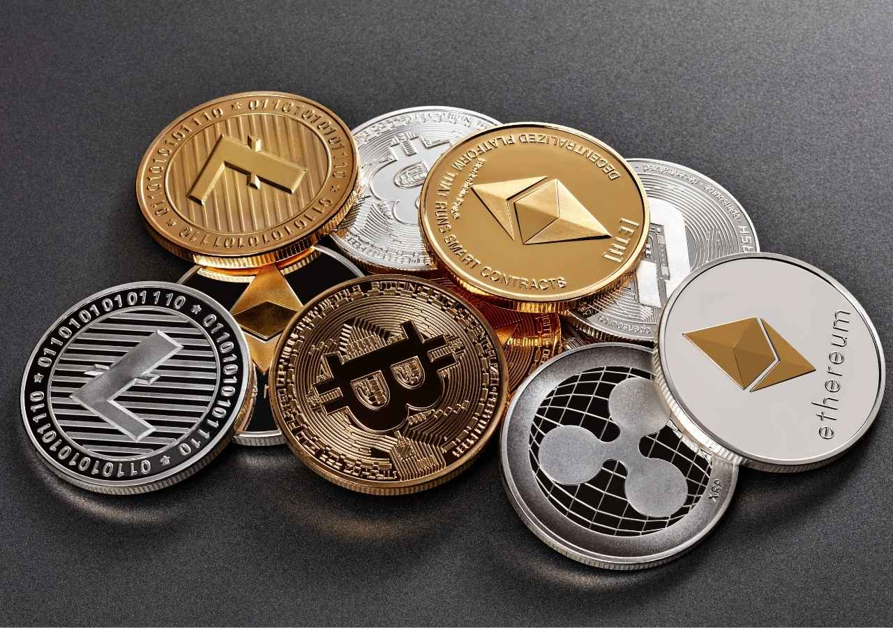 Similarities and Differences Between Bitcoin and Ethereum